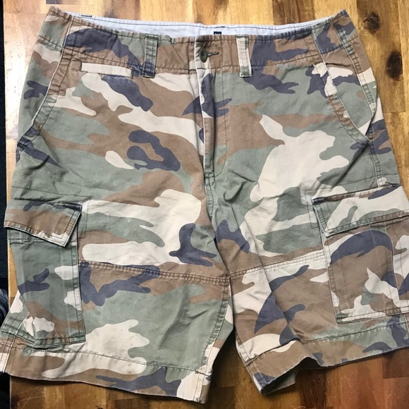 7f00bf2580 GAP Other - GAP Camo Cargo Shorts Men's 36